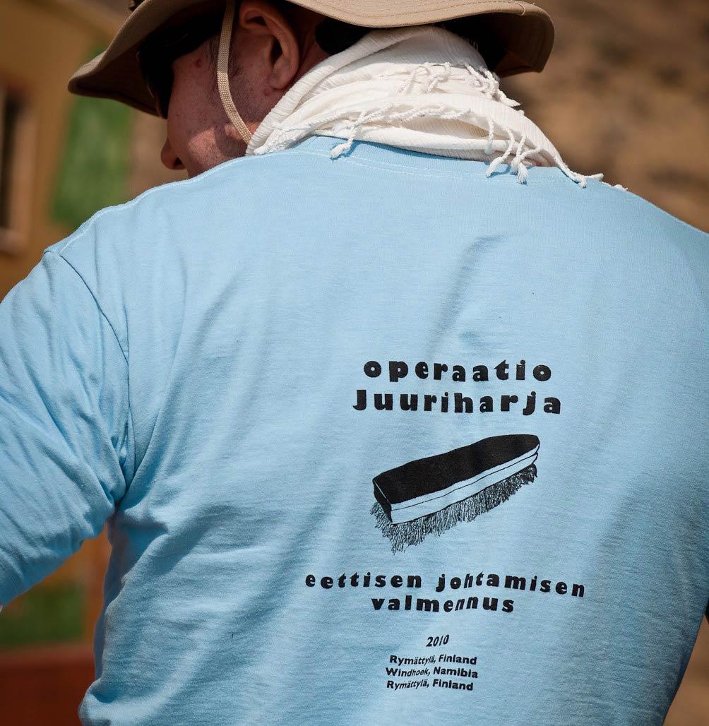 Operaatio Juuriharja on eettisen johtamisen valmennus, jossa työnnetään kädet saveen