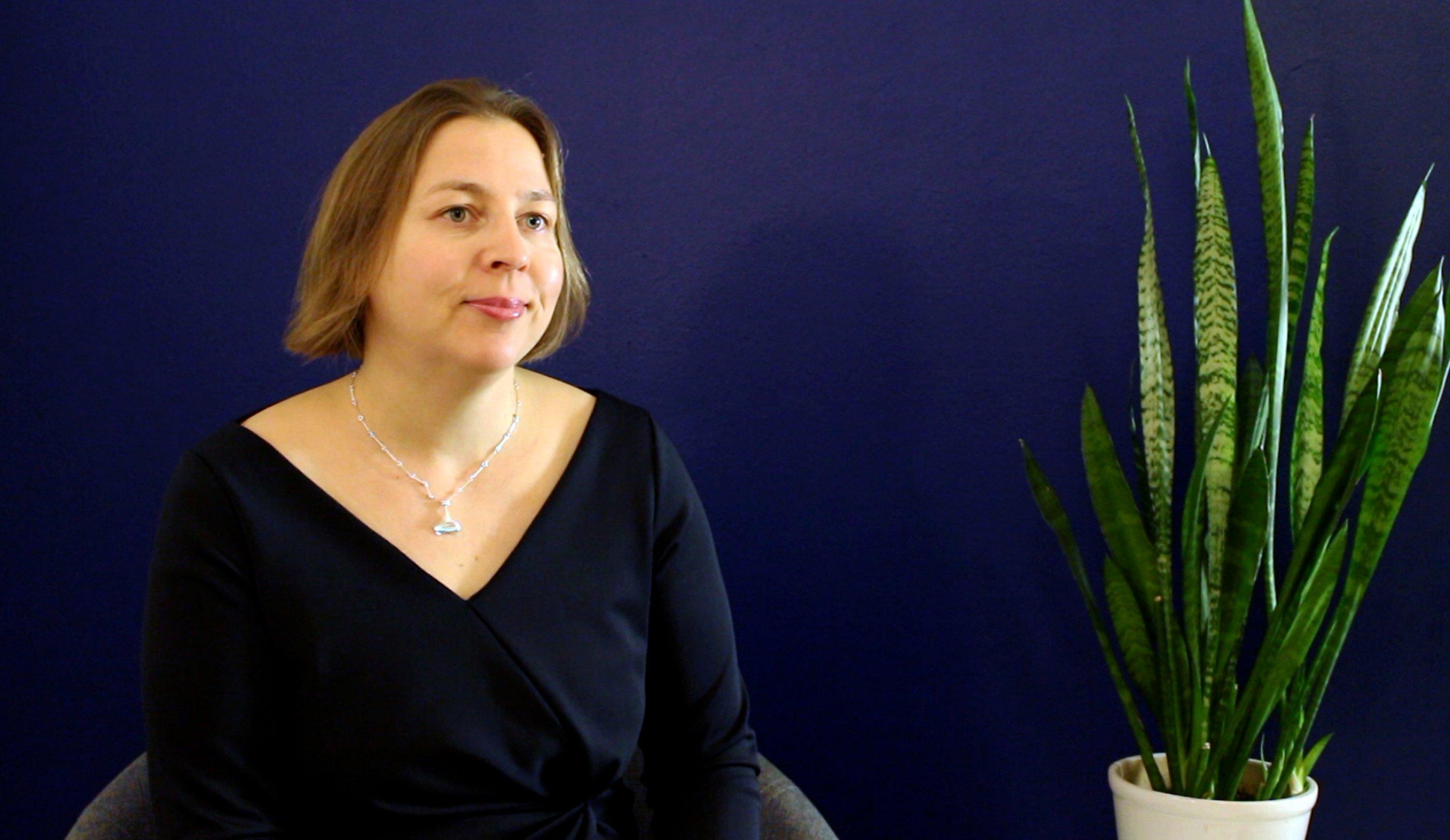 Tytti Yli-Viikari, VTV, kokee coachingin johtajalle arvokkaana ajattelukumppanuutena.