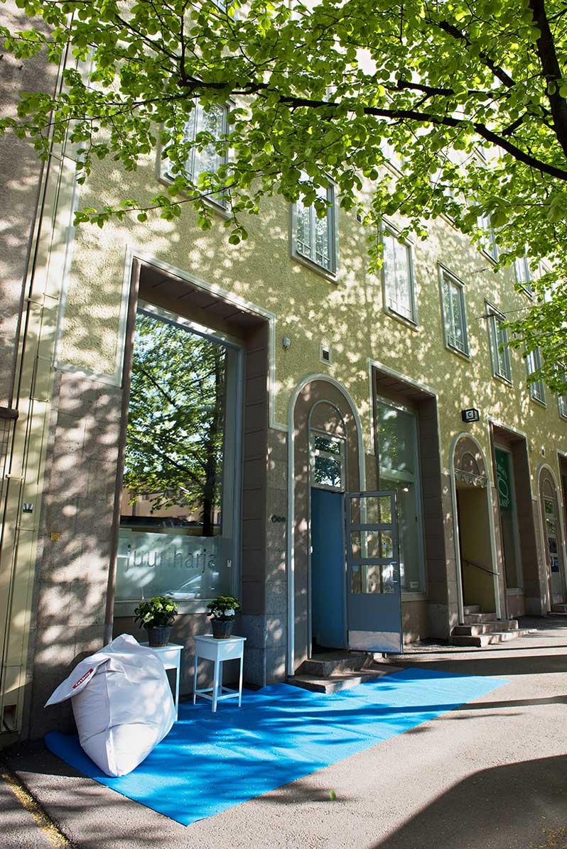 Juuriharjan toimisto sijaitsee Runeberginkadulla Helsingissä